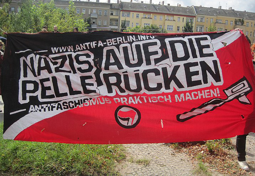 http://www.antifa-berlin.info/auf-die-pelle-ruecken/images/stories/1308born2.jpg