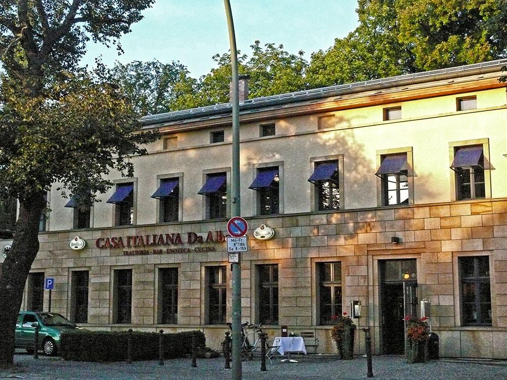 Casa italiana gatow antifa for Casa italiana